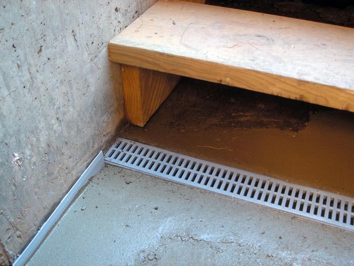 Laminate Flooring Around Basement Floor, Vinyl Plank Flooring Basement Drain
